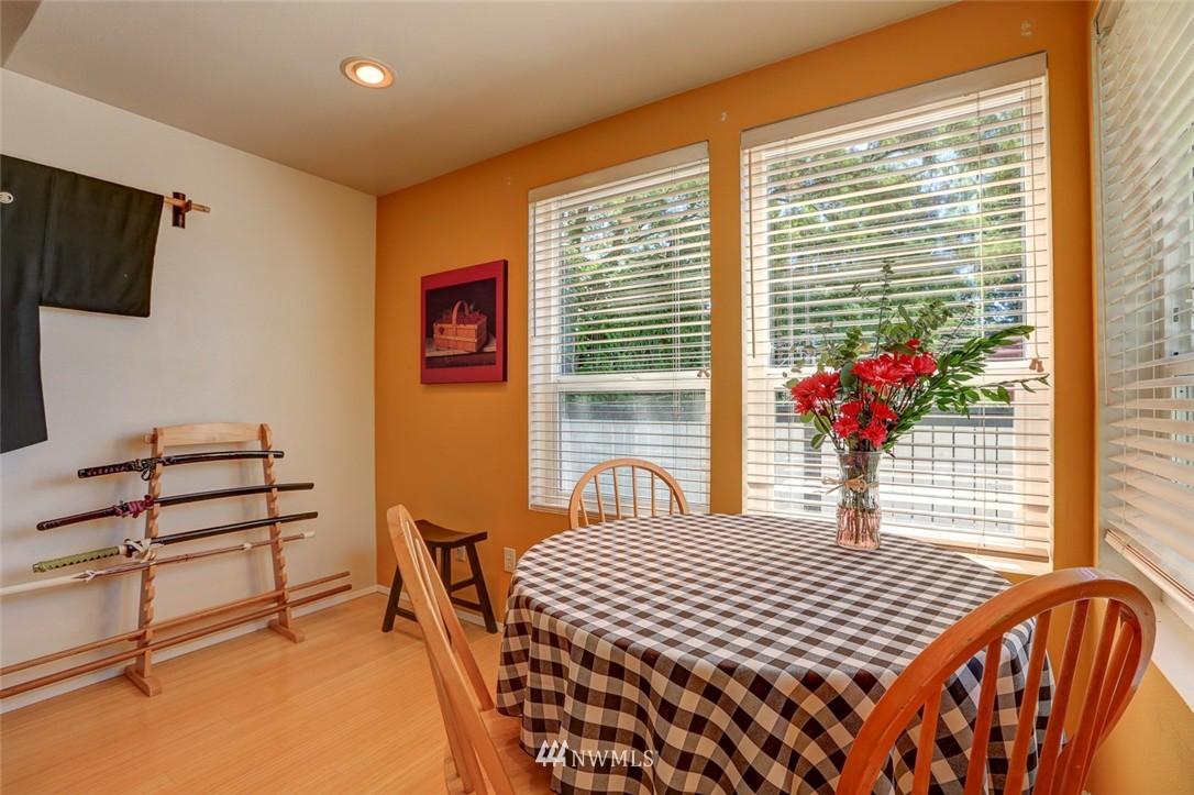 Sold Property | 414 NE 95th Street Seattle, WA 98115 8