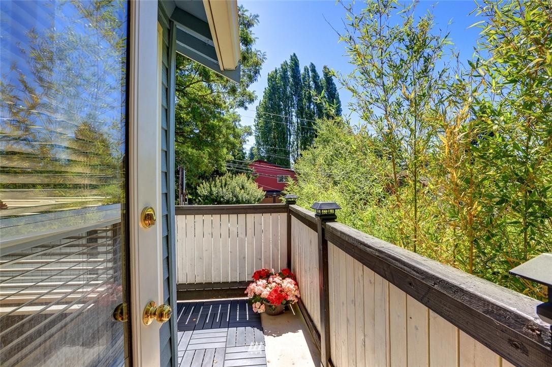 Sold Property | 414 NE 95th Street Seattle, WA 98115 9