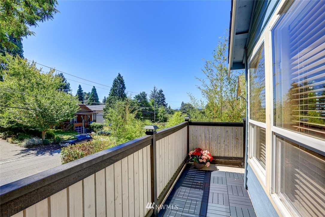 Sold Property | 414 NE 95th Street Seattle, WA 98115 10