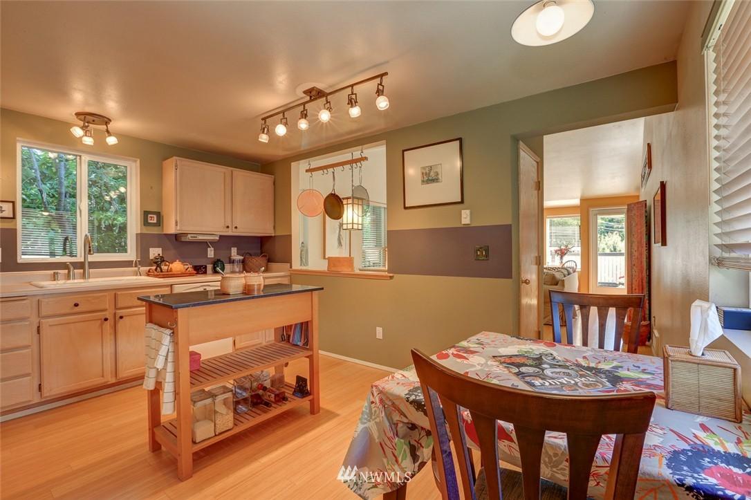 Sold Property | 414 NE 95th Street Seattle, WA 98115 13