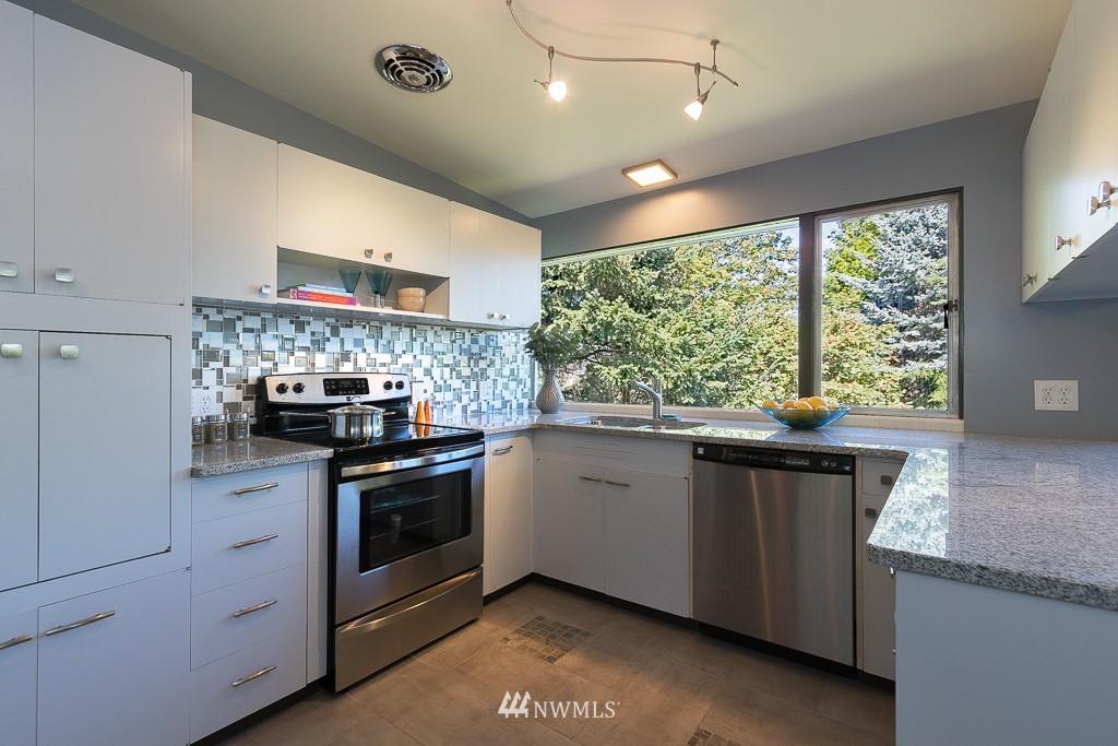 Sold Property   10033 31st Avenue NE Seattle, WA 98125 6
