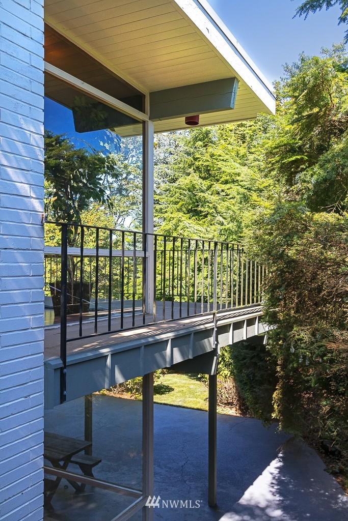 Sold Property   10033 31st Avenue NE Seattle, WA 98125 7