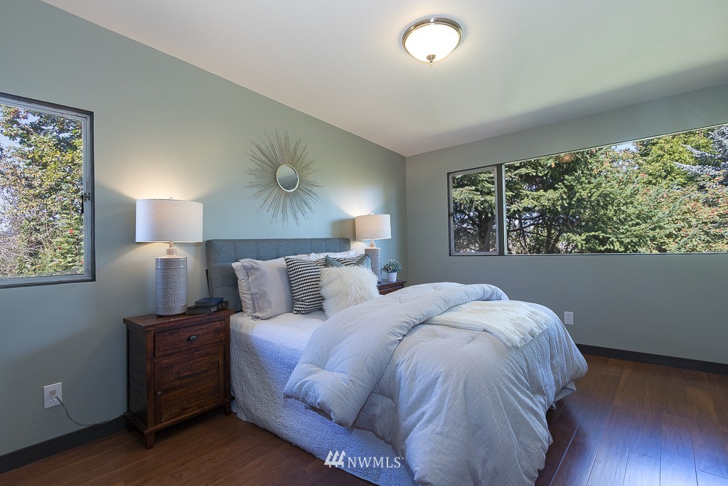 Sold Property   10033 31st Avenue NE Seattle, WA 98125 9