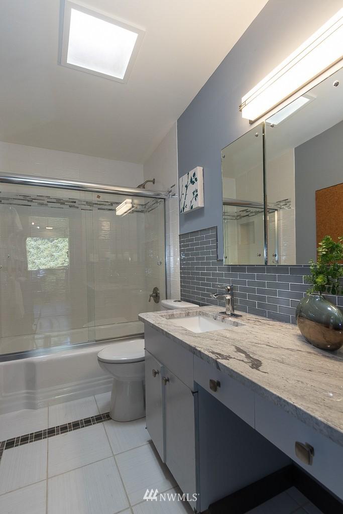Sold Property   10033 31st Avenue NE Seattle, WA 98125 12