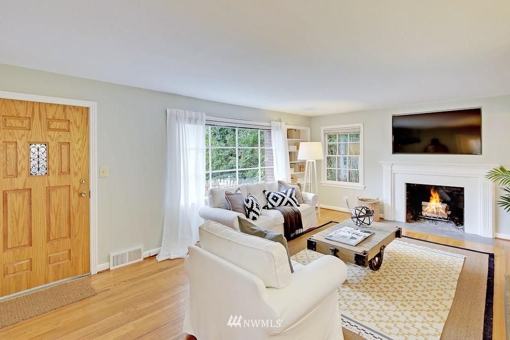 Sold Property | 7337 20th Ave NE Seattle, WA 98115 2