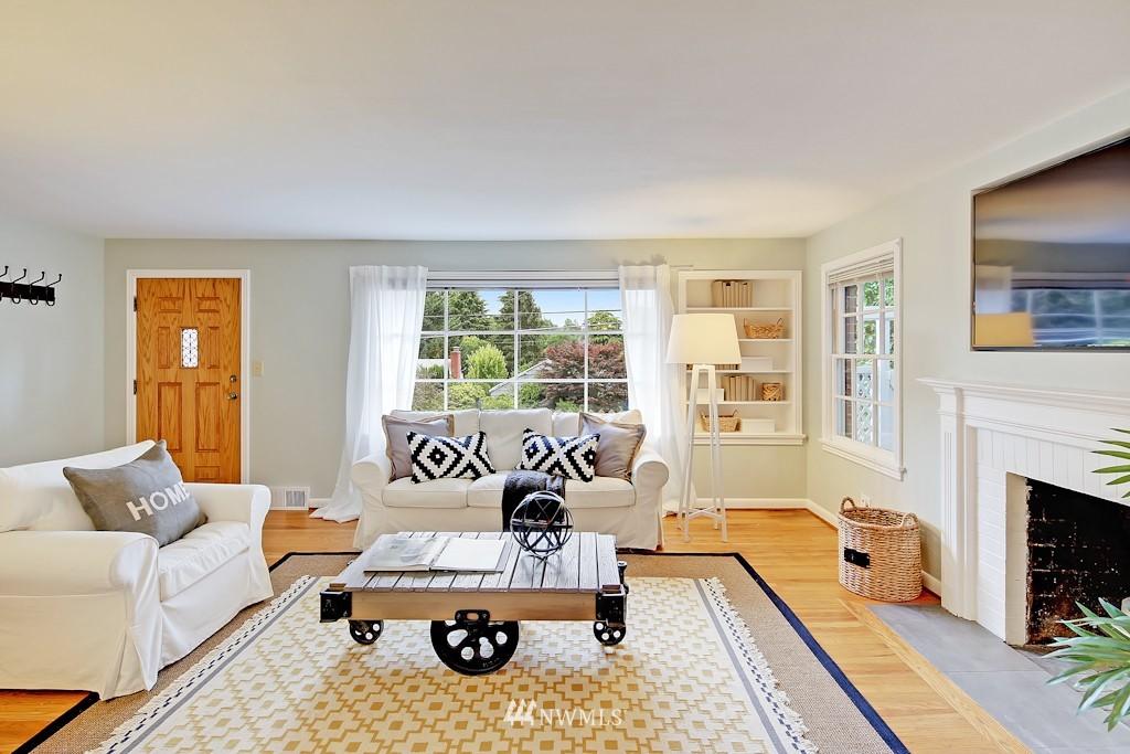 Sold Property | 7337 20th Ave NE Seattle, WA 98115 4