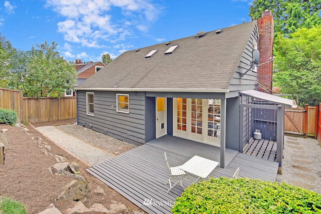 Sold Property | 7337 20th Ave NE Seattle, WA 98115 18