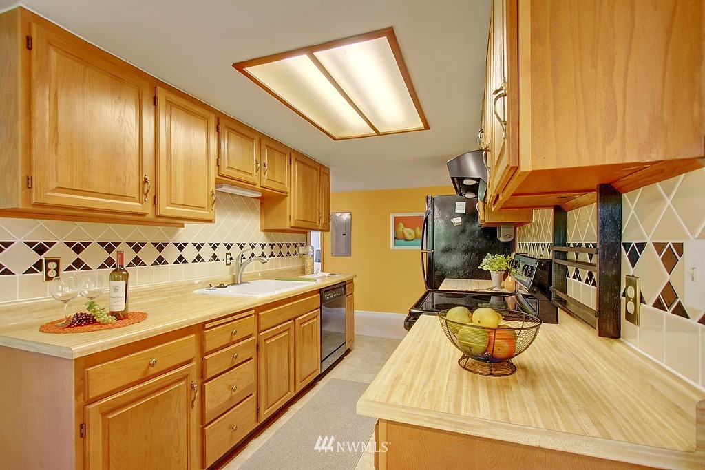 Sold Property   1554 NE 172nd Street Shoreline, WA 98155 5