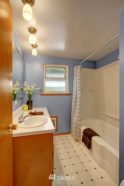 Sold Property   1554 NE 172nd Street Shoreline, WA 98155 10