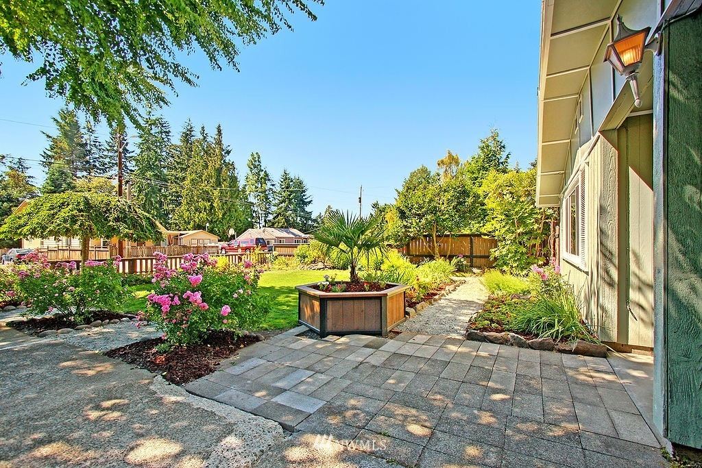 Sold Property   1554 NE 172nd Street Shoreline, WA 98155 17