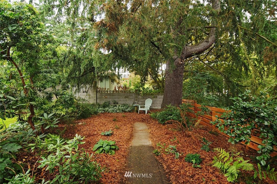 Sold Property | 116 N 110th Street Seattle, WA 98133 1