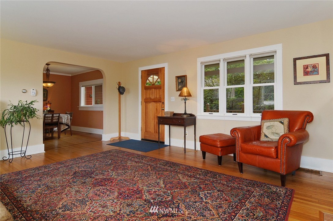 Sold Property | 116 N 110th Street Seattle, WA 98133 6