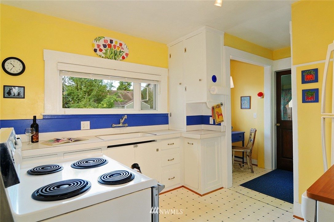Sold Property | 116 N 110th Street Seattle, WA 98133 11