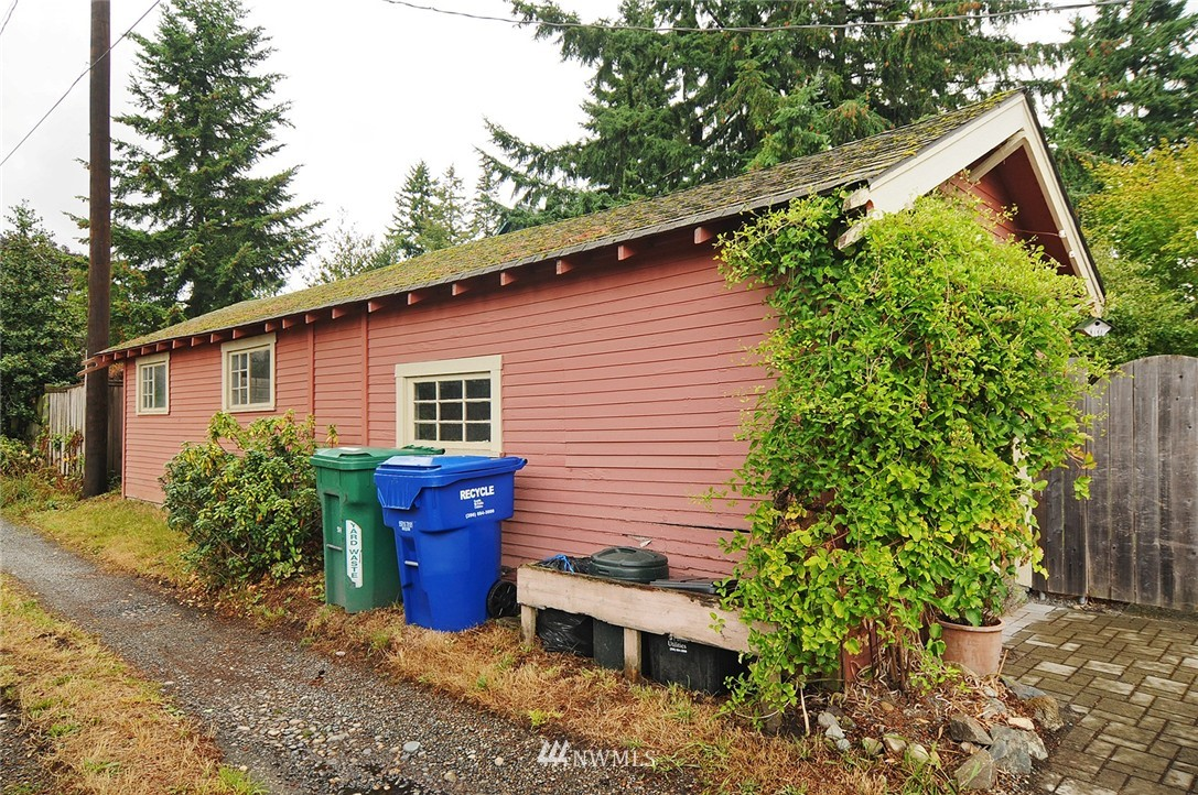 Sold Property | 116 N 110th Street Seattle, WA 98133 19