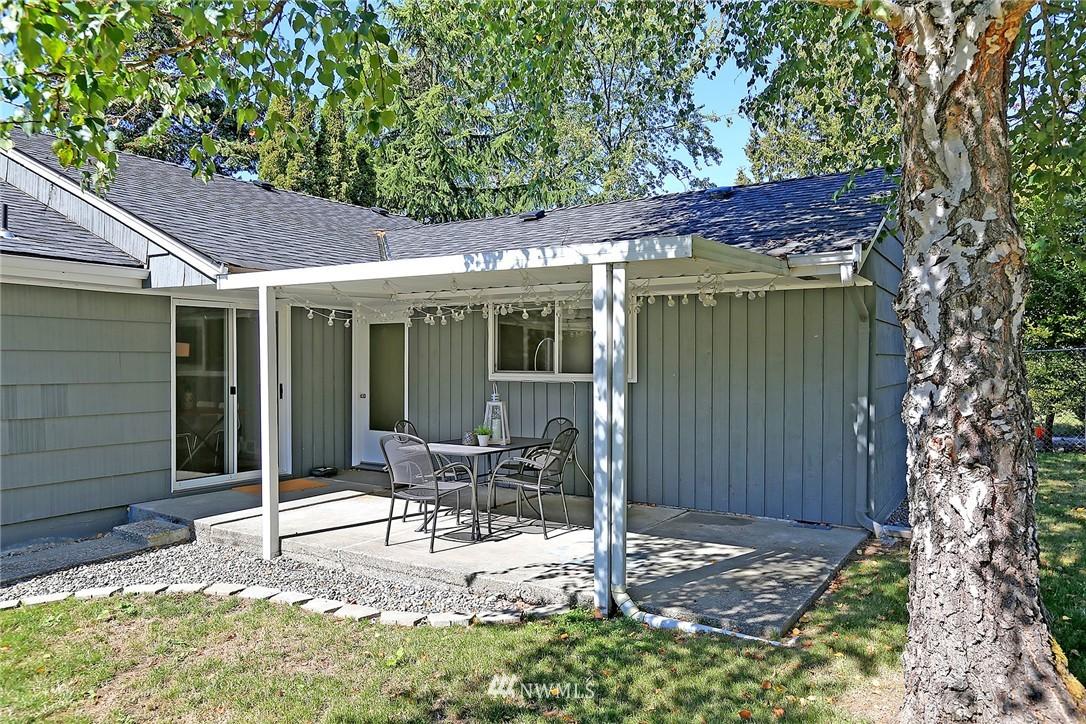 Sold Property | 9110 1st Avenue NE Seattle, WA 98115 16