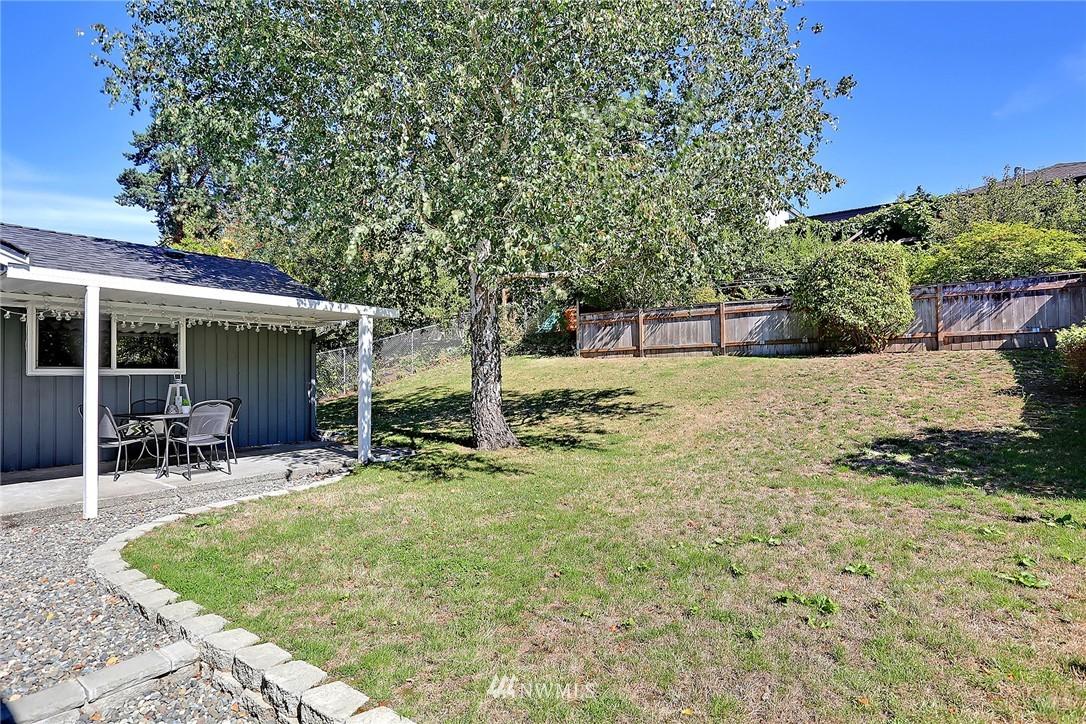 Sold Property | 9110 1st Avenue NE Seattle, WA 98115 17