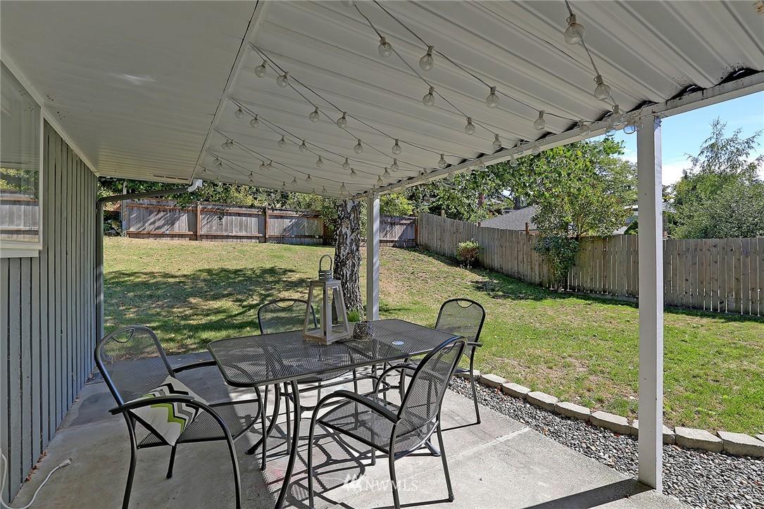 Sold Property | 9110 1st Avenue NE Seattle, WA 98115 15