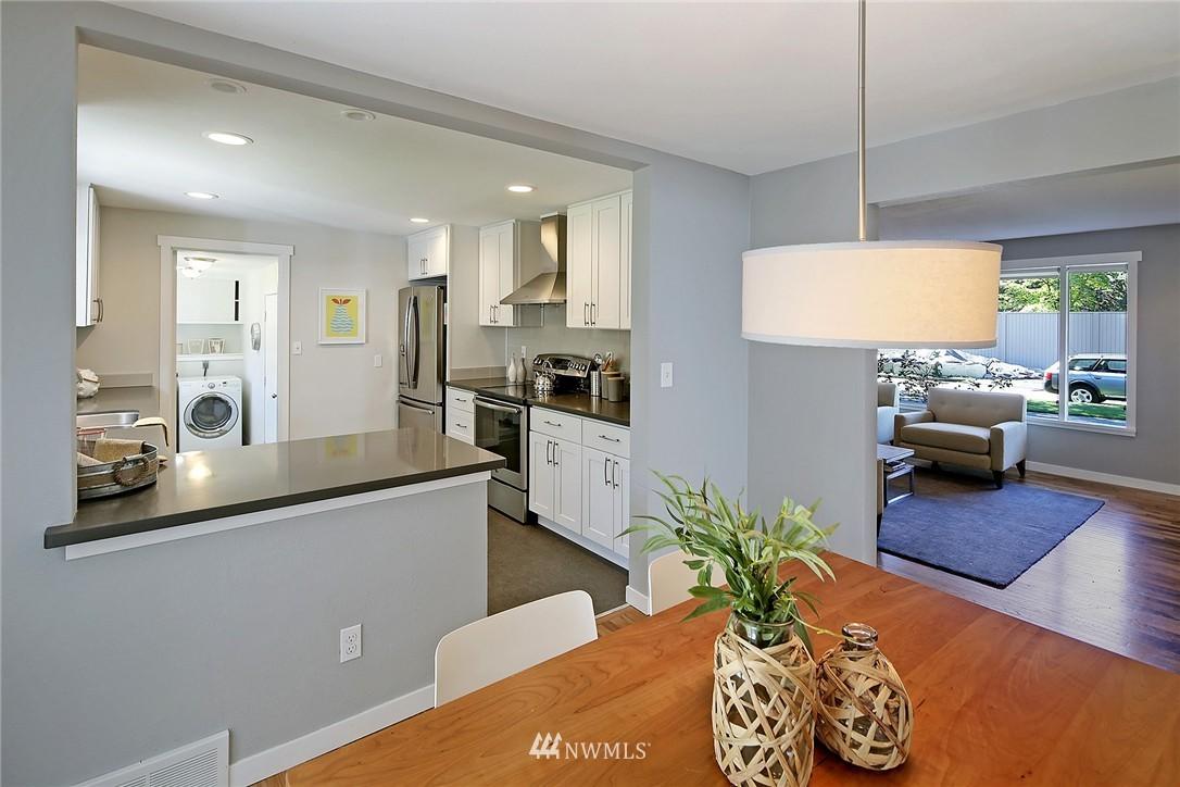 Sold Property | 9110 1st Avenue NE Seattle, WA 98115 5