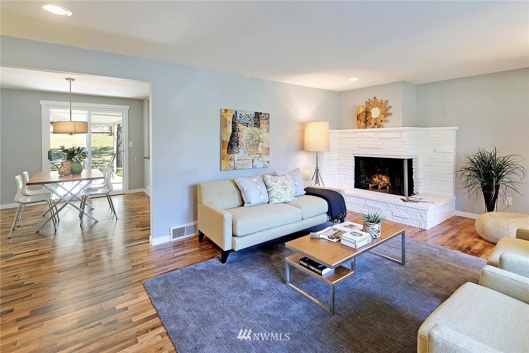 Sold Property | 9110 1st Avenue NE Seattle, WA 98115 2