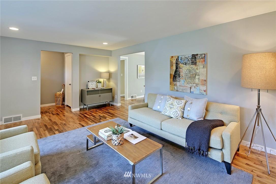 Sold Property | 9110 1st Avenue NE Seattle, WA 98115 3