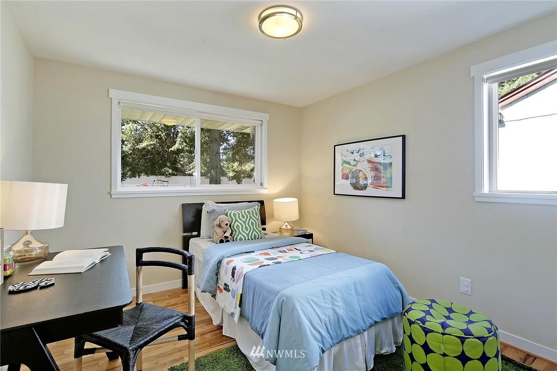 Sold Property | 9110 1st Avenue NE Seattle, WA 98115 12