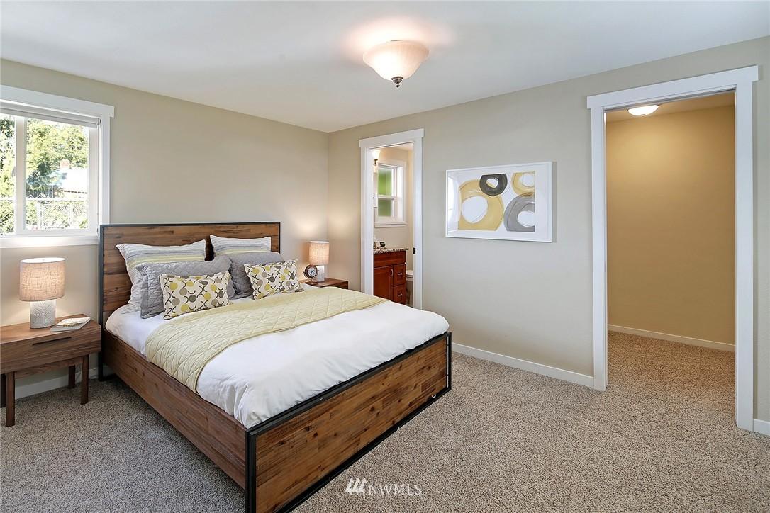 Sold Property | 9110 1st Avenue NE Seattle, WA 98115 8