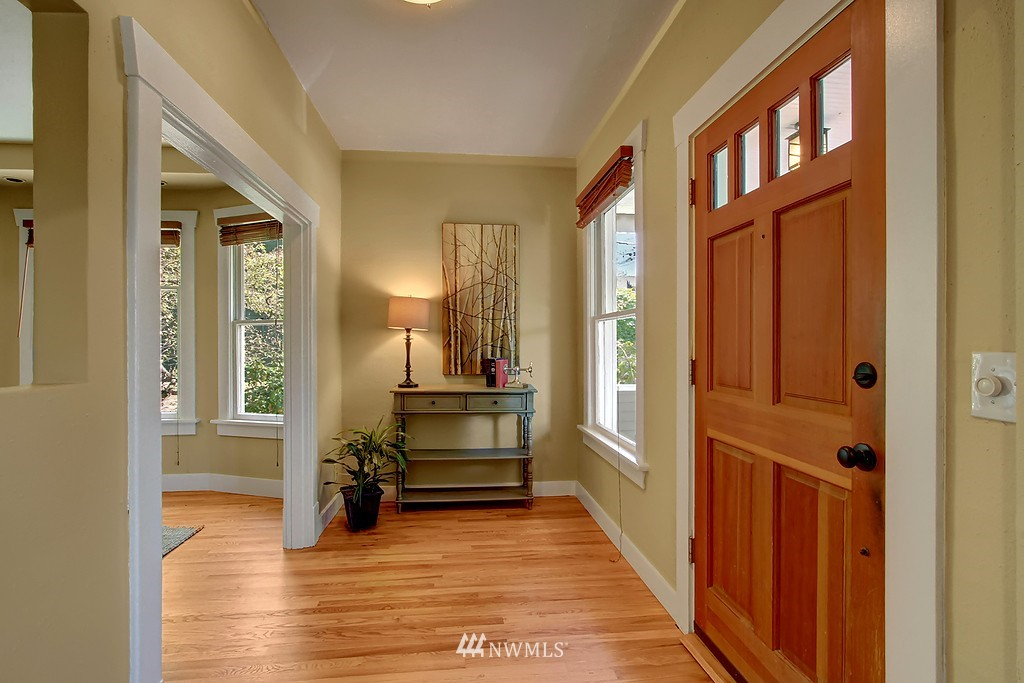 Sold Property | 1636 N 54th Street Seattle, WA 98103 3
