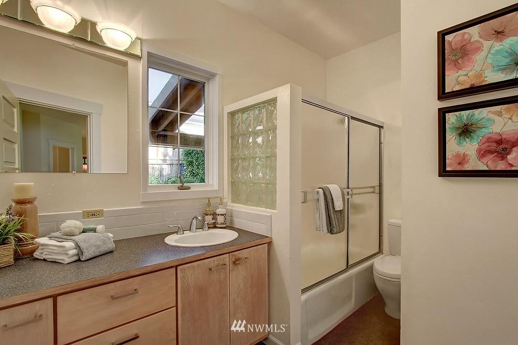 Sold Property | 1636 N 54th Street Seattle, WA 98103 10