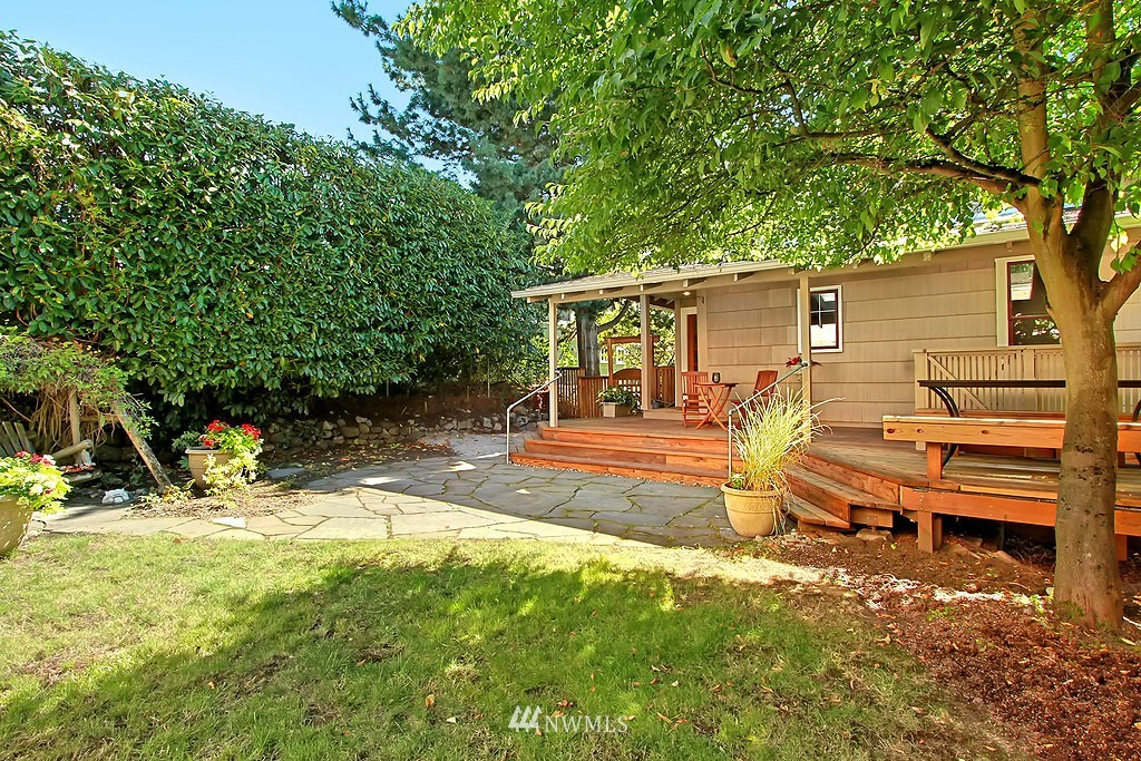 Sold Property | 1636 N 54th Street Seattle, WA 98103 14