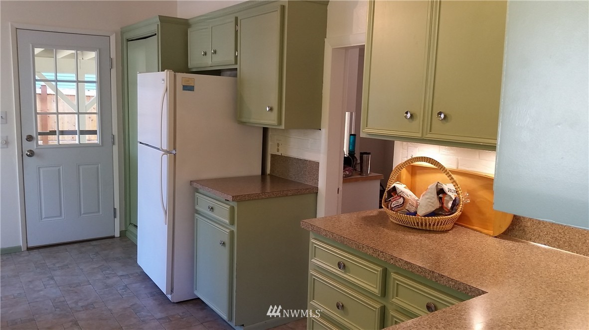 Sold Property | 808 Laurel Drive Everett, WA 98201 15