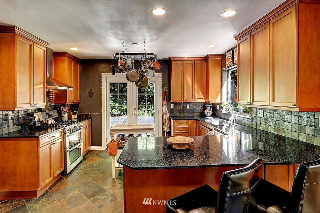 Sold Property   17836 Ballinger Way NE Lake Forest Park, WA 98155 6