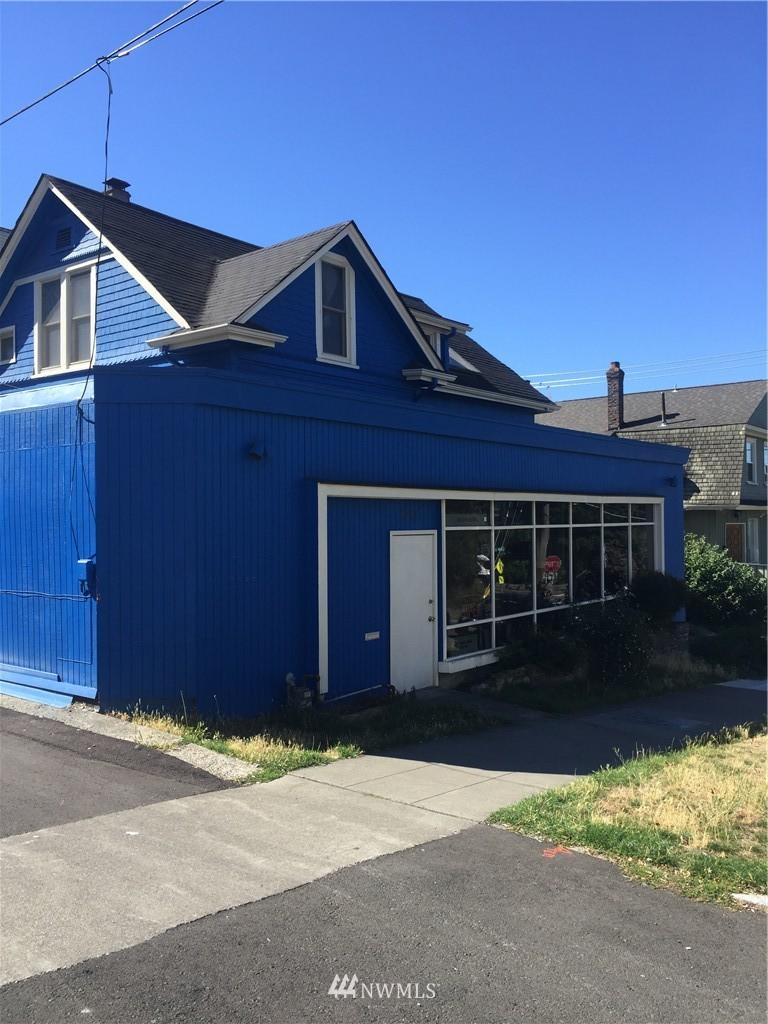 Sold Property | 1207 E Denny Way Seattle, WA 98122 2