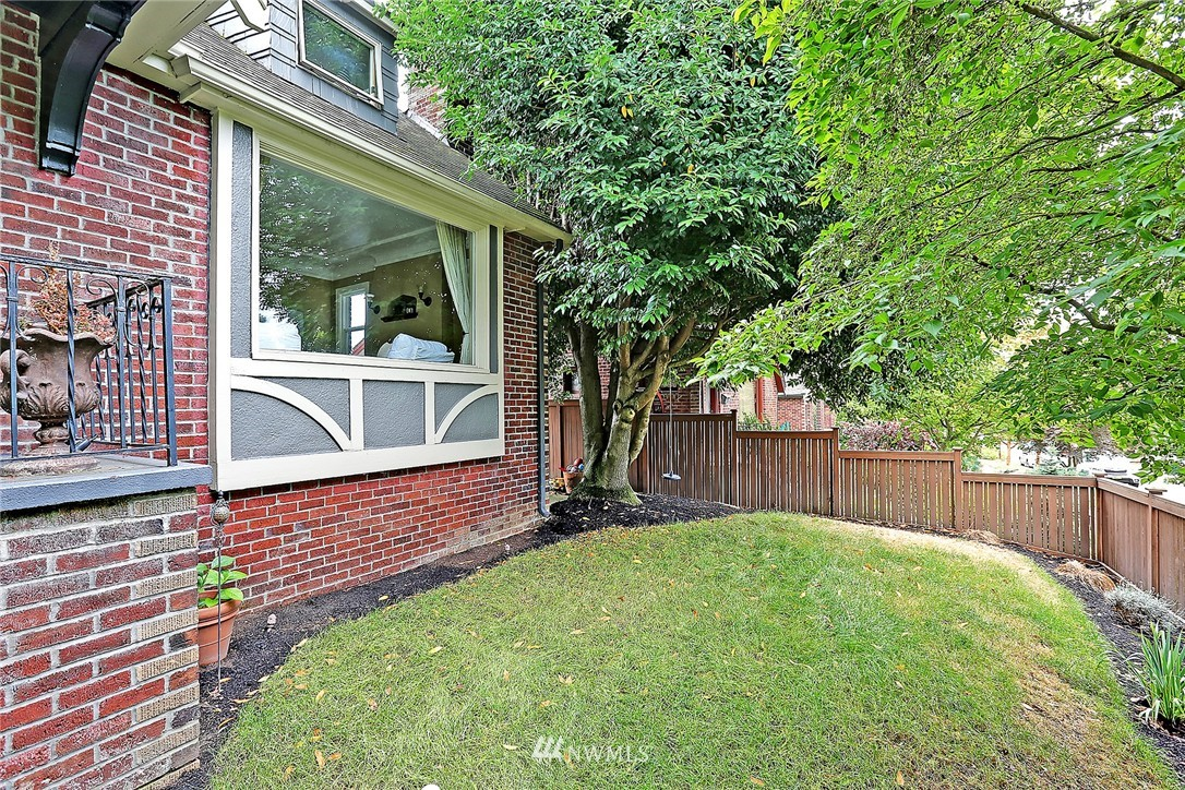 Sold Property   6756 9th Avenue NW Seattle, WA 98117 14
