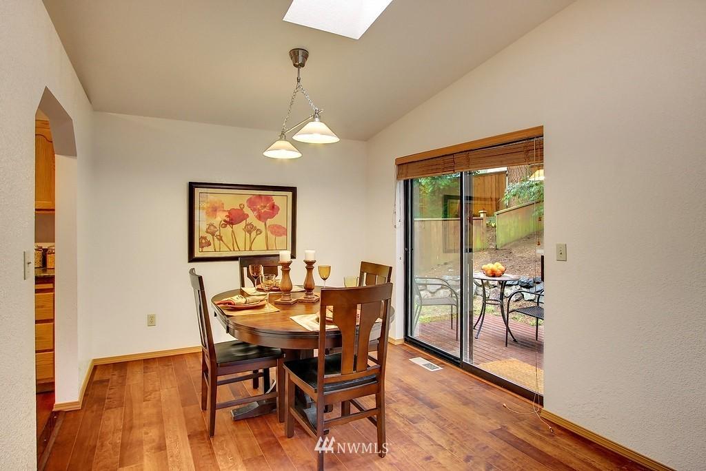 Sold Property | 8627 Ravenna  Avenue NE Seattle, WA 98115 5