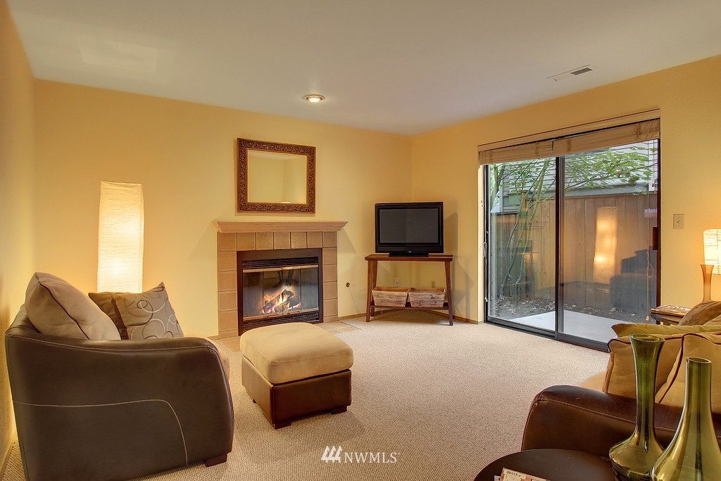Sold Property | 8627 Ravenna  Avenue NE Seattle, WA 98115 10