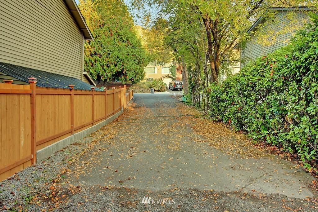 Sold Property | 8627 Ravenna  Avenue NE Seattle, WA 98115 15