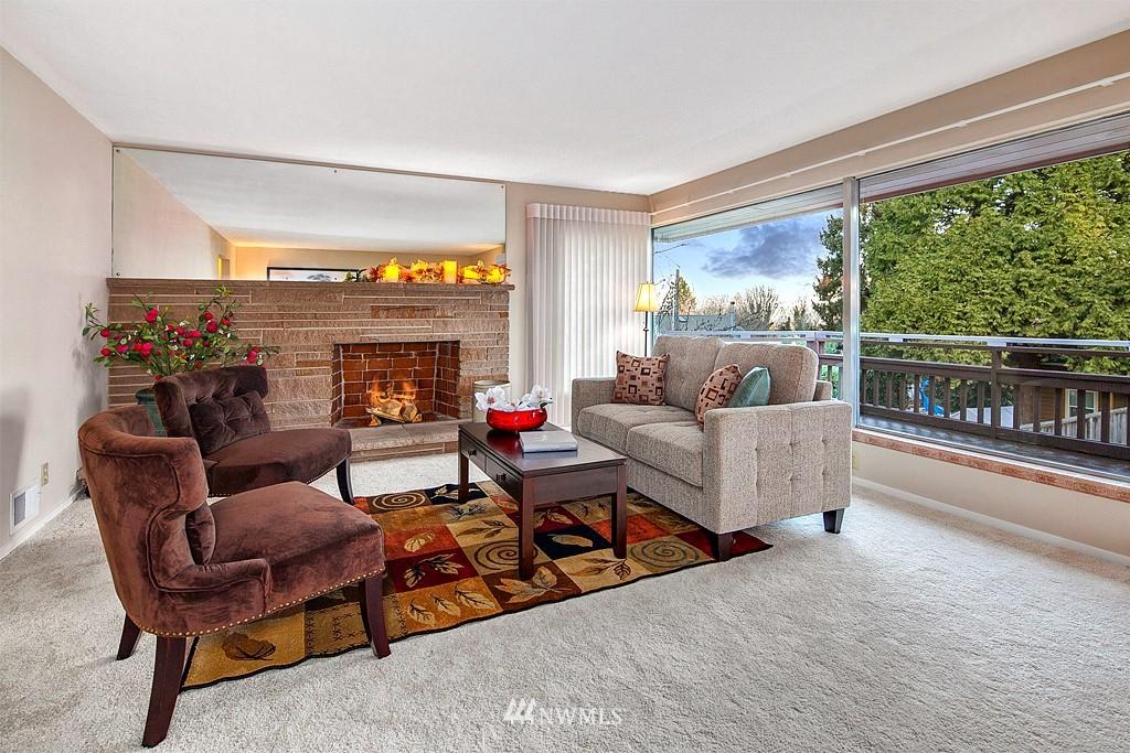 Sold Property | 3910 24th Avenue S Seattle, WA 98108 3