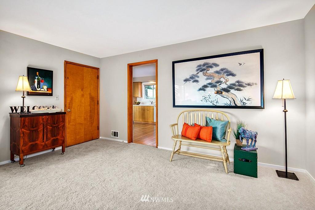 Sold Property | 3910 24th Avenue S Seattle, WA 98108 4