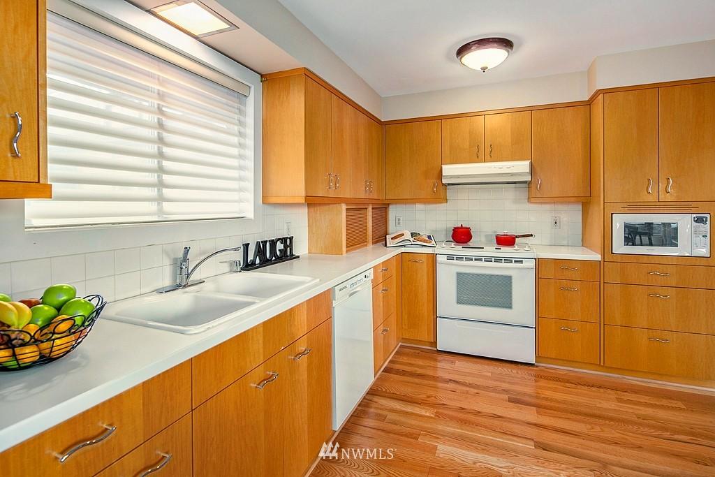 Sold Property | 3910 24th Avenue S Seattle, WA 98108 6