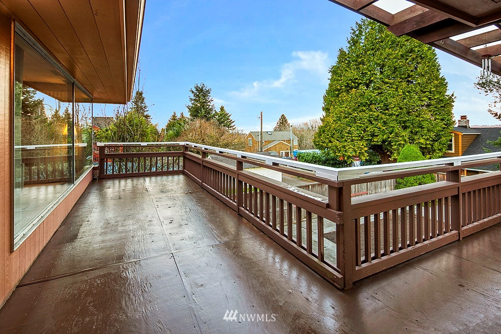 Sold Property | 3910 24th Avenue S Seattle, WA 98108 8