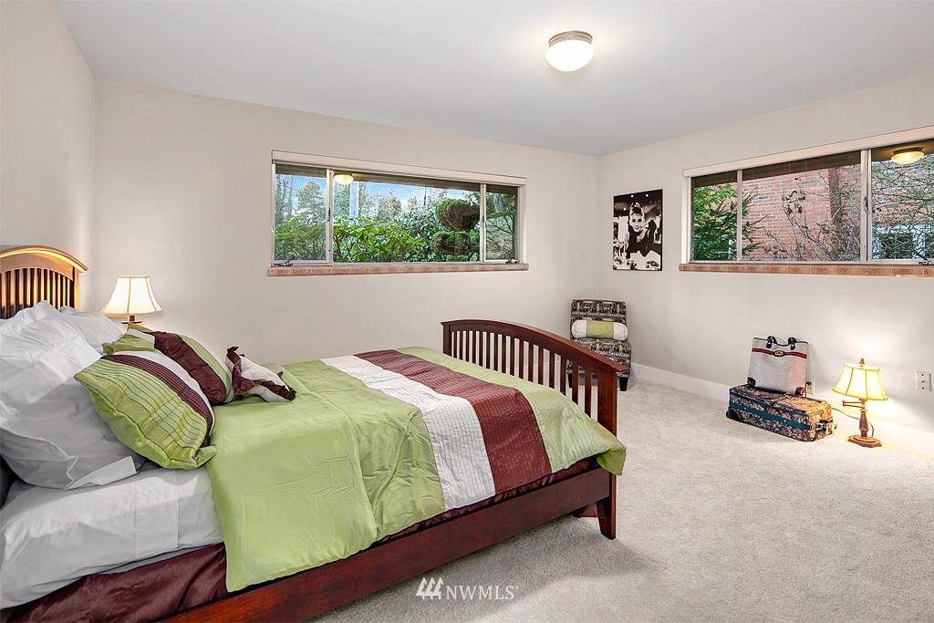Sold Property | 3910 24th Avenue S Seattle, WA 98108 9