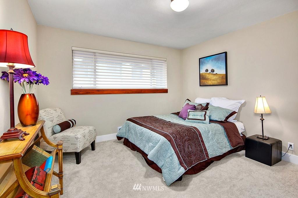 Sold Property | 3910 24th Avenue S Seattle, WA 98108 10