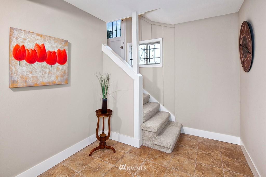 Sold Property | 3910 24th Avenue S Seattle, WA 98108 11