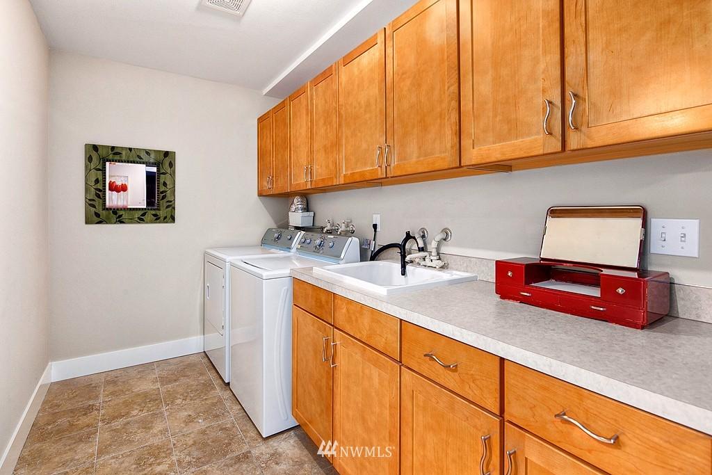 Sold Property | 3910 24th Avenue S Seattle, WA 98108 12