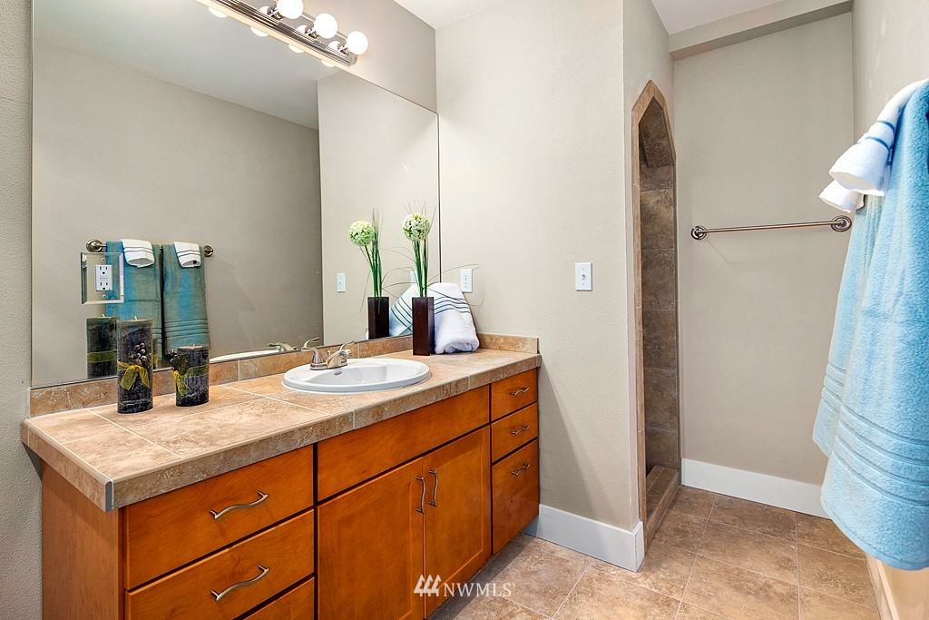 Sold Property | 3910 24th Avenue S Seattle, WA 98108 15