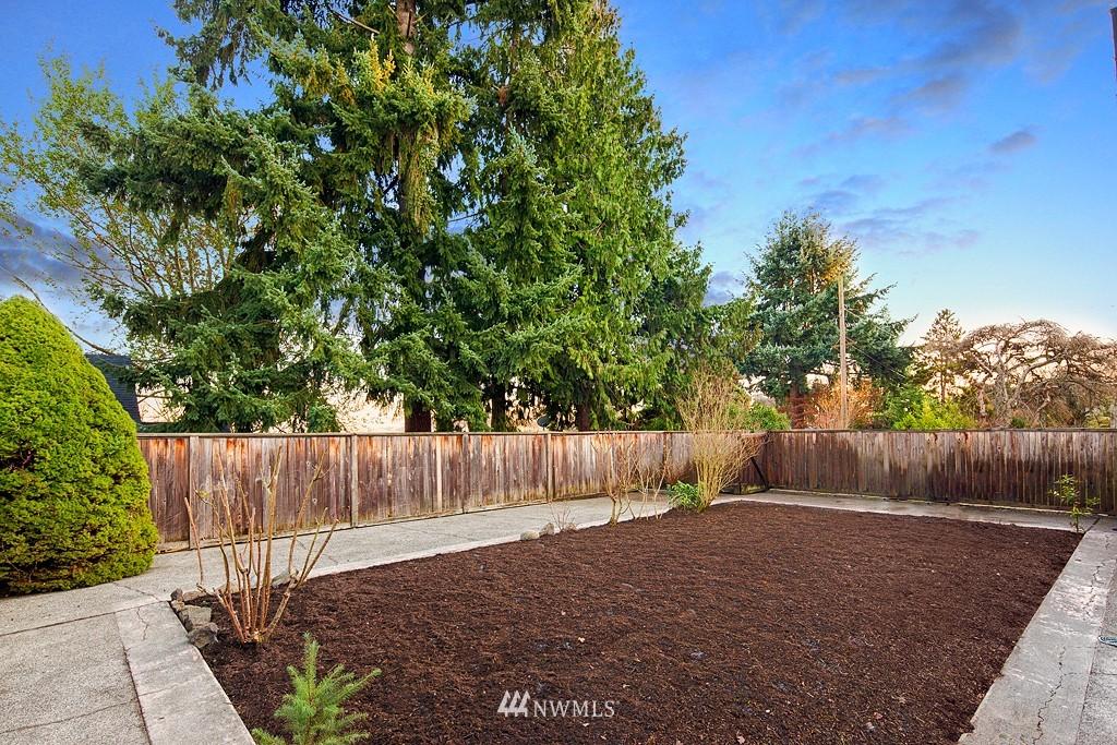 Sold Property | 3910 24th Avenue S Seattle, WA 98108 16
