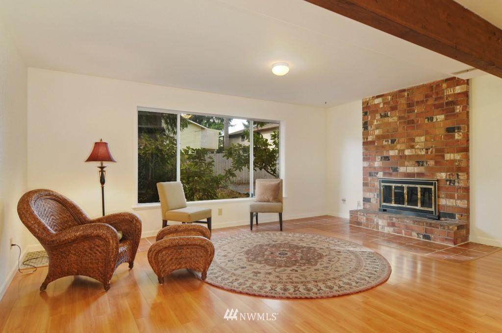Sold Property | 17523 19th Court NE Shoreline, WA 98155 8