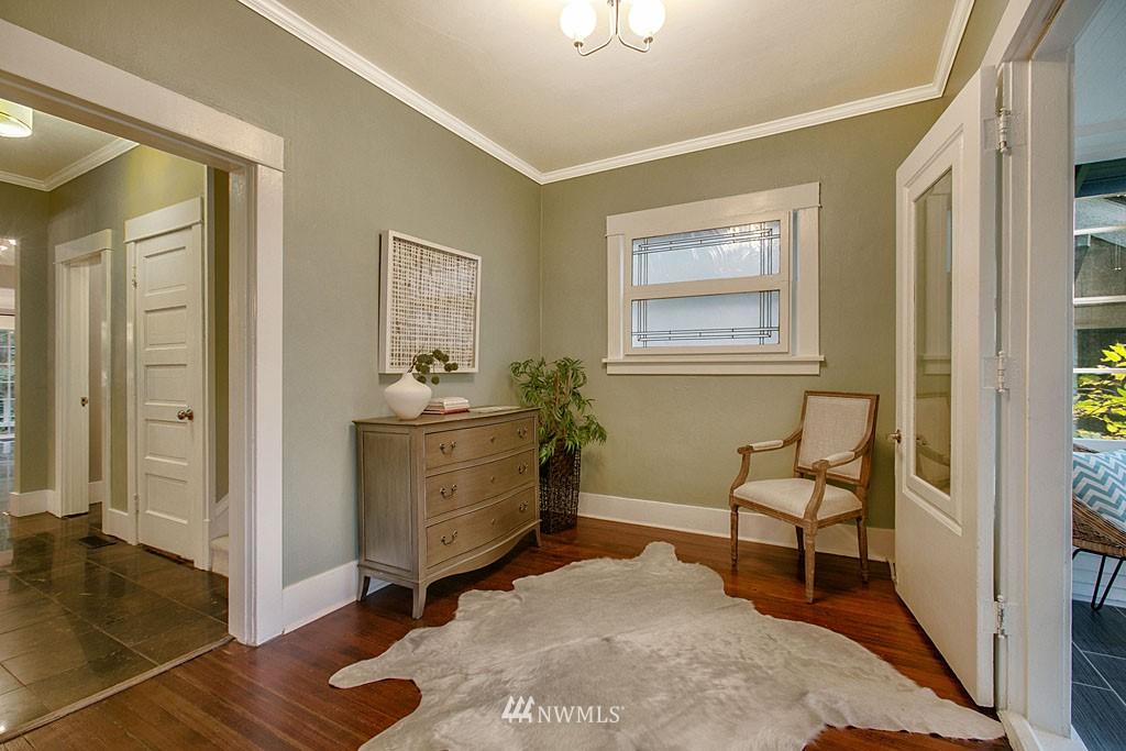 Sold Property | 4731 4th Avenue NE Seattle, WA 98105 1