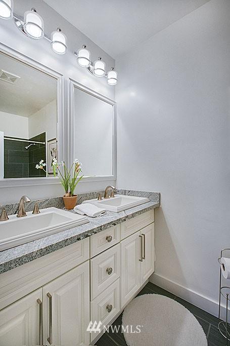 Sold Property | 4731 4th Avenue NE Seattle, WA 98105 9