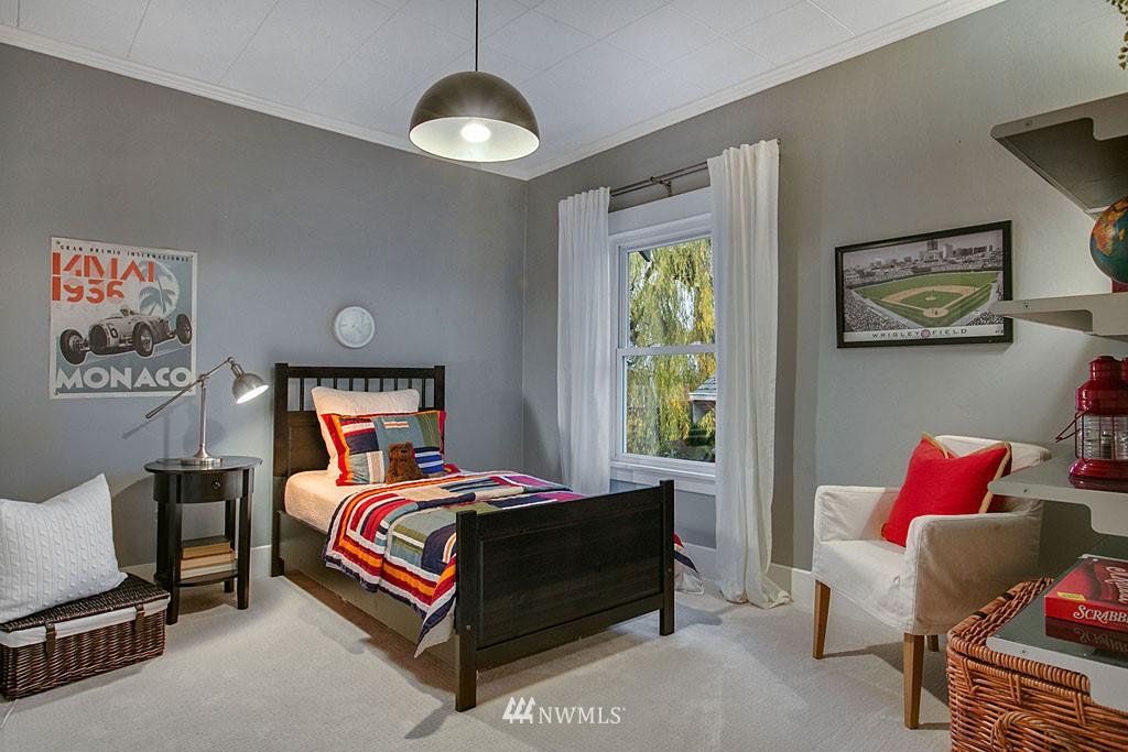 Sold Property | 4731 4th Avenue NE Seattle, WA 98105 10
